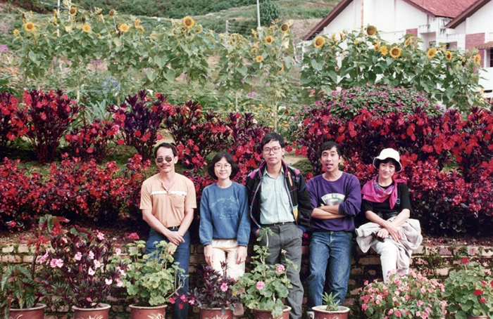 At Cameron Highlands, early 1990s. L to R Dad (LIM Choon Jin), KONG Yin Ling, CHEN Shi Jin, KOH Mun Hong and unnamed lady. Courtesy of LIM Choon Jin and Vincent LIN.