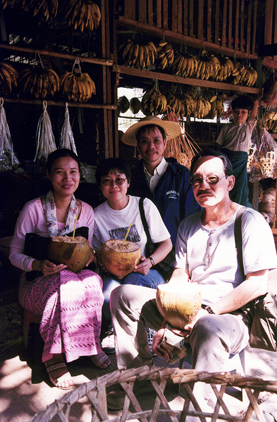 At Myanmar, 1999. L to R - Local guide, KONG Yin Ling, CHEN Shi Jin and Dad (LIM Choon Jin).Courtesy of LIM Choon Jin and Vincent LIN.